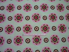 FABRIC MATERIAL MEDIUM WEIGHT CRAFT GEOMETRIC FLOWER on PALE GREEN PRINT REMNANT