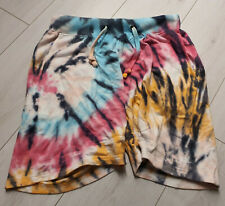 Tigha Herren  Kurze Joggingpants Hose Batik Optik  M