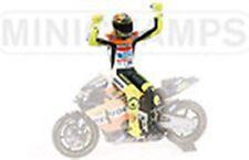 MINICHAMPS 312 020046 ROSSI side saddle sitting figure Moto GP 2002 1:12th scale