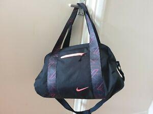 Nike Ladies Gym Bag pink on blackused