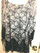lace blouse,black lining, 3/4 sleeves sleeves,squard neck size 42-44 dressy...