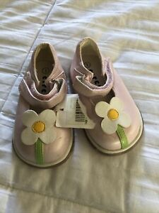 NWT little girls floral Mary Jane shoes size 3 by circo