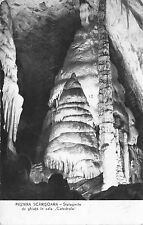 B22408 romania pestera scarisoara stalagmite de gheata in sala catedrala