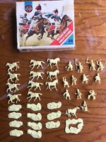 Waterloo Hussars British Cavalry 36 pieces x2 72 pieces 2 boxes S43 1743 HO/OO