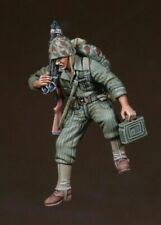 1/35 Scale resin model kit WWII-Korean War USMC MG Asst. Gunner