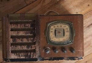 Antique 1940's Firestone Air Chief Radio- SOLD AS IS