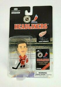 1997 NHL Corinthian Headliners Steve Yzerman Detroit Red Wings Action Figure