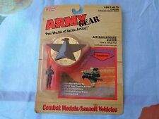 ARMY GEAR COMBAT MEDALS/ASSAULT VEHICLES AIR EAGLE/NIGHT GIG GALOOB 1988 VINTAGE