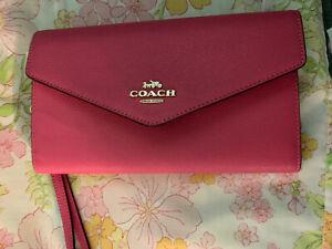 COACH Travel Envelope  Wallet / Wristlet in Confetti Pink $298 Retail Clutch Pur