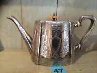 BEAUTIFUL ANTIQUE VICTORIAN SILVER PLATED TEAPOT  Beautifully Engraved Bakelite