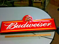 Budweiser beer sign large light box neo-neon graphic 2002 back bar lighted MO1