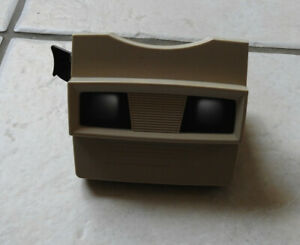 Vintage View Master in excellent condition.