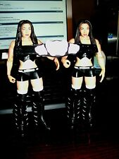 WWE MATTEL BATTLE PACK 15 NIKKI-N-BRIE THE BELLA TWINS COMPLETE WITH TITLE