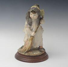 1980 Giuseppe Armani Gulliver'S World Girl With Broom Sculpture Scarce