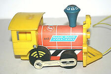 FISHER PRICE 643 Toot Toot Engine- Locomotive  à tirer- Vintage