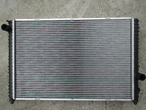 NEW RADIATOR LAND ROVER DISCOVERY  II V8 PETROL 98-05 AT/MT H/DUTY 40mm CORE