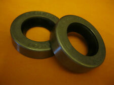 FORD CORSAIR(63-66) FORD CLASSIC & CAPRI(61-64) REAR HUB OIL SEALS (NJ552) PAIR