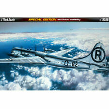 Academy 12528 B-29 Superfortress Bomber Enola Gay / Bockscar  model kit 1/72