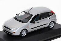 Ford Focus Mk1 5dr 2002 Silver, dealership model, Minichamps 1:43scale, car gift