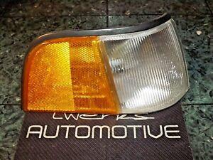86-90 OEM USDM Acura Legend Sedan front corner marker lamp light 041-1375 FR DV1