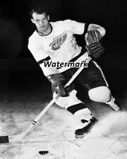 online retailer 5e964 24f75 NHL 1956 Detroit Red Wings Gordie Howe Black   White 8 X 10 Photo Picture