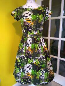 Run & Fly Green Dinosaur Print Tea Dress Size 8