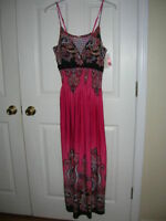 new Womens-maxi-dress- size 1X pink-print-padded-bra-adjustable-straps T24
