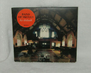 BAND OF SKULLS BY DEFAULT INC BOOKLET ** MINT **