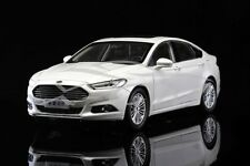 Diecast Car Model Ford New Mondeo 2013 1:18 (White) + GIFT!!