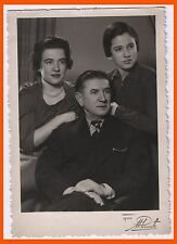 """Father, Mother with a pearl necklace and daughter Foto Roglic Beograd 4"""" x 5.7"""""""