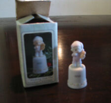 "Precious Moments Porcelain Thimble 1993 - ""Wishing You the Sweetest Christmas"""