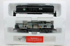 Proto 2000 HO EMD GP9 Phase III Locomotive Illinois Central IC 9051 - High Nose