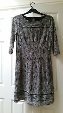 DESIGNER BLACK & WHITE ADRIANNA PAPELL DRESS SIZE 14, IN EXCELLENT CONDITION