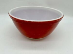 Small Vintage Pyrex Primary Colors Red Mixing Nesting Bowl 1.5 Qt 402