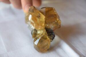 Minéraux de collection ## Calcite miel ##