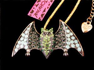 Betsey Johnson Green Rhinestone Bat Pendant Chain Sweater Necklace