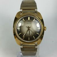 Vintage Timex Mens Electric Dynabeat Gold Stainless Steel Back Bracelet Watch