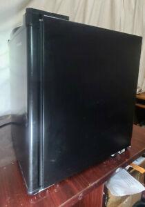 Compact Refrigerator Frigidaire EFR100-BLACK