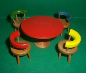 VINTAGE DOLLS HOUSE TABLE & CHAIRS 16th LUNDBY SCALE