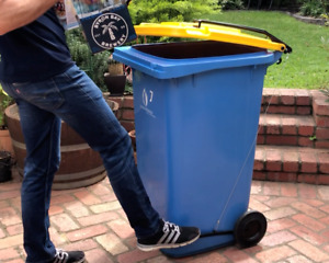 BLOP - Bin Lid Opener 240 Litre Hands Free Touchless A Great Gift For The Garden