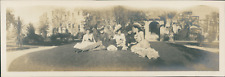USA, Pasadena (California), Panoramic view of grup of women posing  Vintage silv