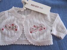 Exclusives Baby-Jäckchen von Kenzo kids Gr. 54  1 M  weiß mit floraler Stickerei