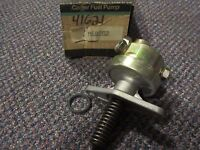 M60282 NEW NOS Carter Fuel Pump - 41621 - 1982 GM Pontiac 2.8L V6 early design