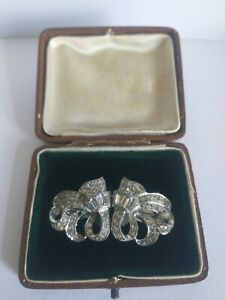 Pretty vintage Duette dress clip brooch