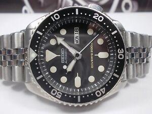 SEIKO 200M SCUBA DIVERS SKX007 AUTO MENS WATCH 7S26-0020 PATINA (SN 451152)