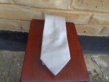 Tie rack  LIGHT GREY 100% silk tie NEW!