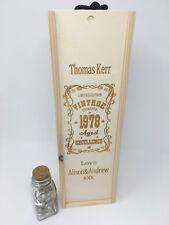 Personnalisé en bois bouteille Boîte. style vintage. cadeau pour lui/pour elle. Anniversaire