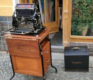 Antike Gestetner Druckmaschine mit Untergestell Holz