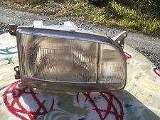 Toyota Hiace KZH100 head light Left