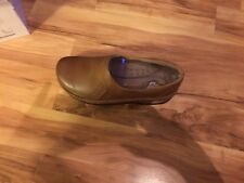 New In Box Klogs Women's Shoes Sydney Driftwood Smooth Medium 9 Brown Leather
